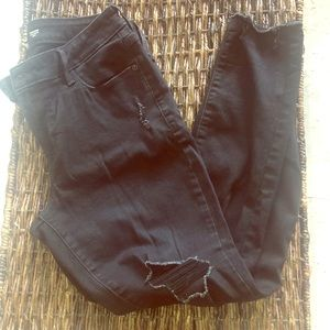 Gently used black distressed rockstar jeans
